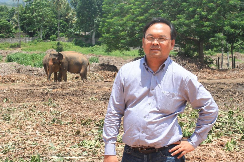 Dr. Seak Sophat
